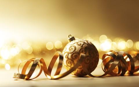 华丽的圣诞装饰物壁纸