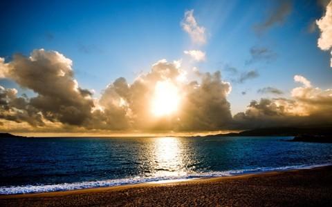 迷人的海边落日美景