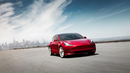 特斯拉Model 3背景壁纸