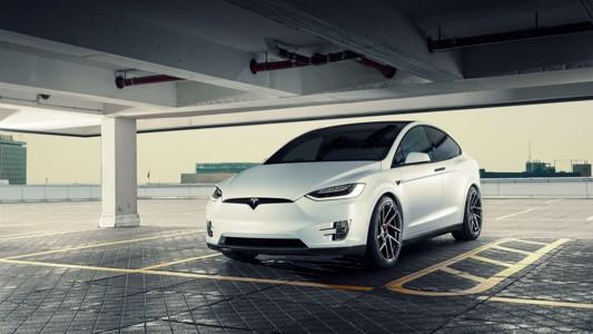 白色特斯拉Model X汽车宽壁纸