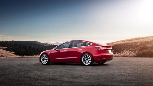 特斯拉Model 3背景高清壁纸
