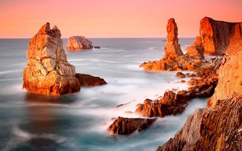 惊人的海滩岩石壁纸