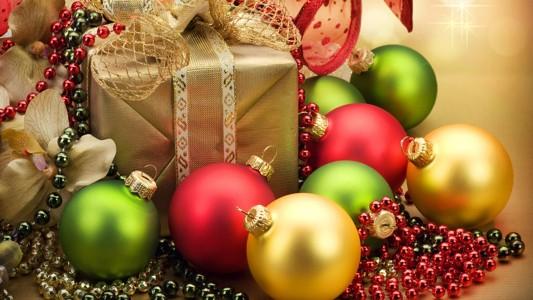 漂亮的圣诞装饰品墙纸