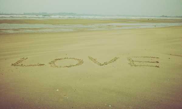 小清爽恋爱海滩图片