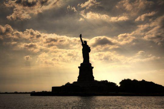 无拘无束自由女神像