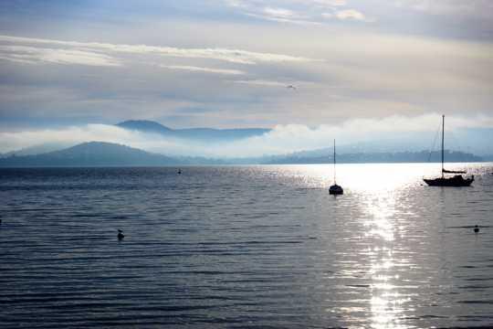 远山海洋景色图片