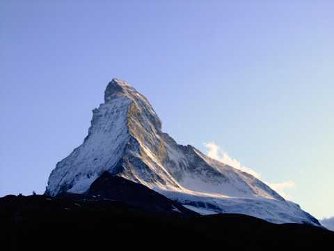 阿尔卑斯雪山光景图片