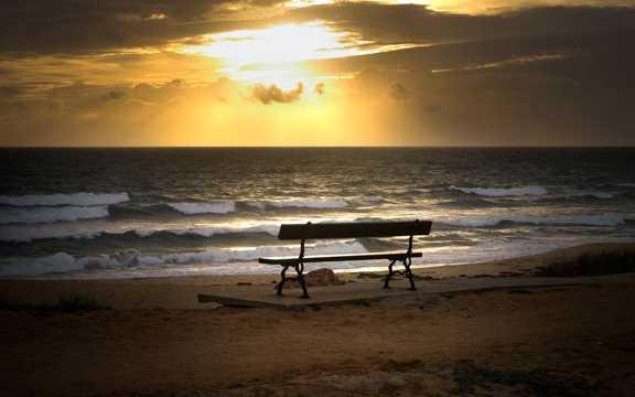 海滨斜阳日落图片