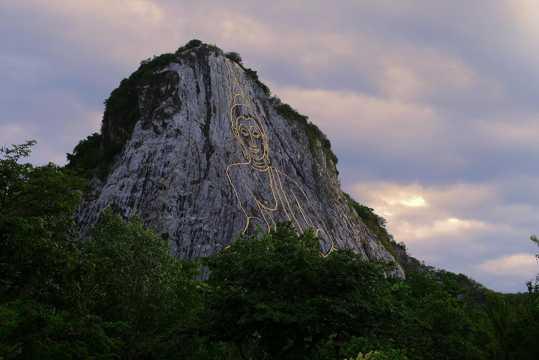泰国七珍金佛山景致图片