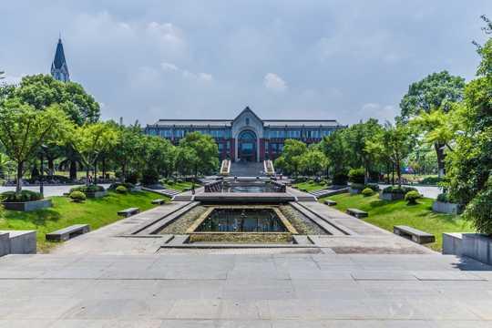 上海华东政法大学校园景致图片