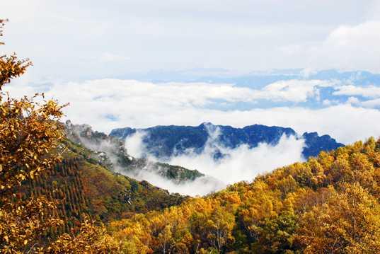 秋日唯美高山光景图片