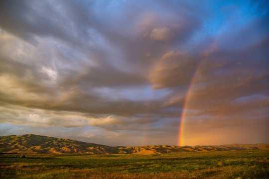 雨后彩虹光景