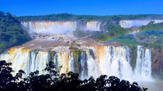 伊瓜苏瀑布图片