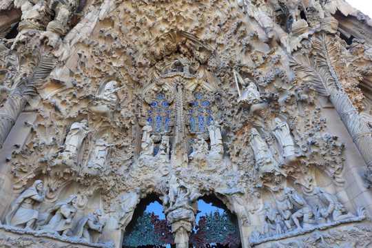 西班牙巴塞罗那高迪建筑风光图片