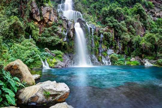 山川瀑布图片