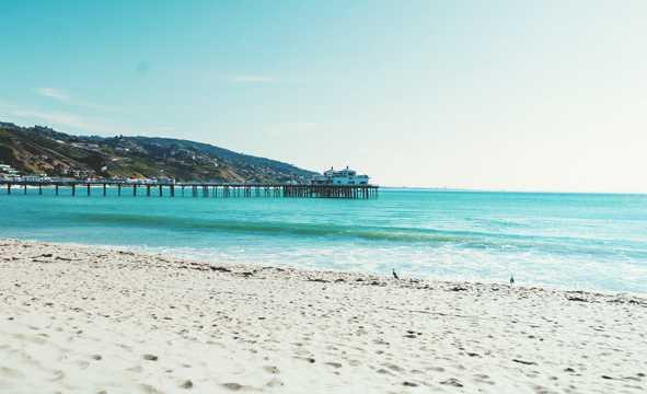 蓝色海洋海滩图片