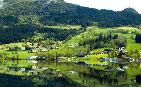 绿色乡村景色图片