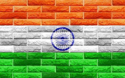 在砖墙上的印度国旗