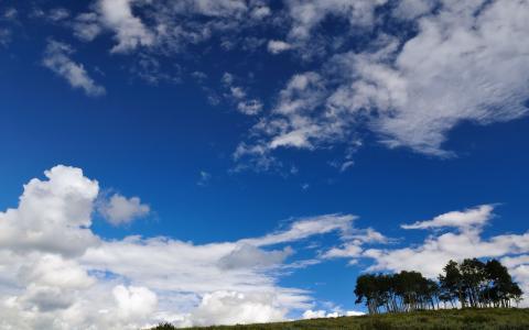 在领域上的蓝天