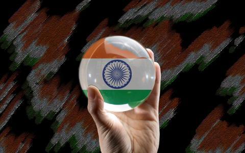 拿着印度国旗