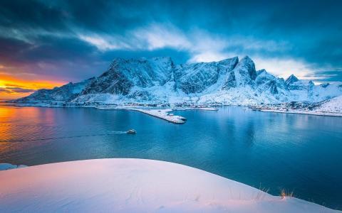 冬季里最美的雪山风光