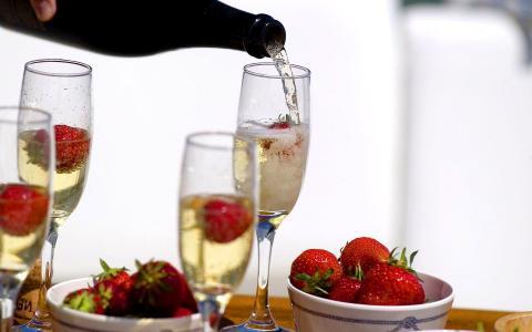 香槟和草莓