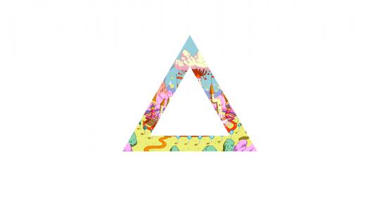 三角形中的魔法世界