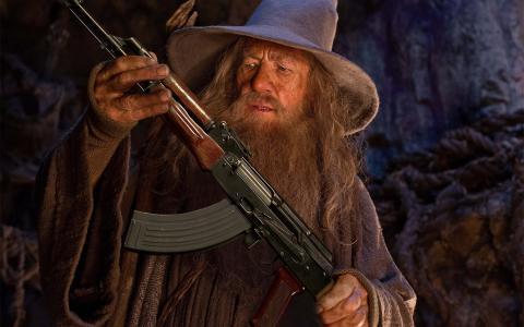甘道夫与AK-47