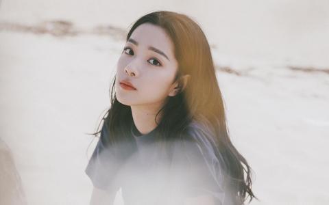 刺猬女孩庄达菲自信魅力诱人写真