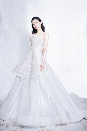 宋轶镶珠万花筒婚纱造型写真