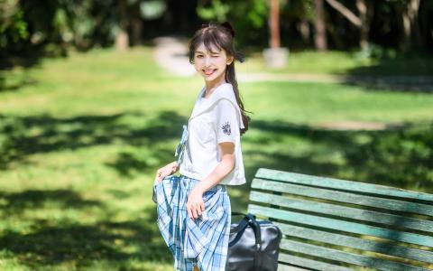 甜美少女可爱户外写真