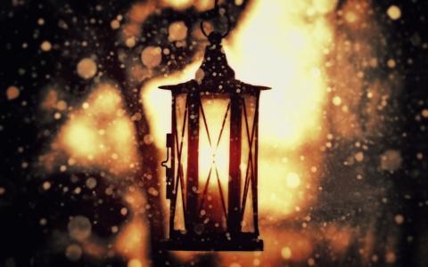 在模糊的灯笼的灯笼