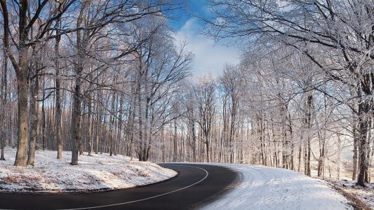 清理冬天的路