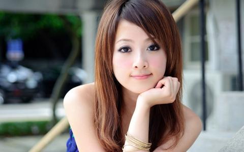 可爱的亚洲女孩