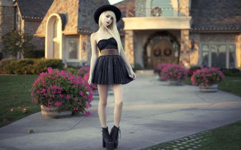 穿全黑衣服的苍白皮肤的女孩