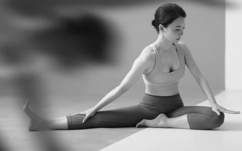 气质美女陈数性感瑜伽写真