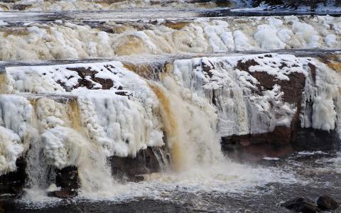 冰冻的瀑布