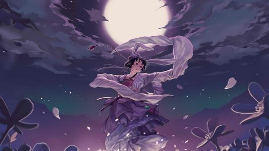 在月光下跳舞的女孩