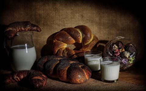 面包和牛奶