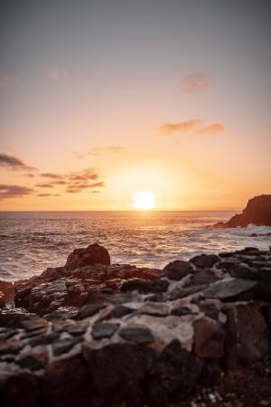 海边唯美的日出景色