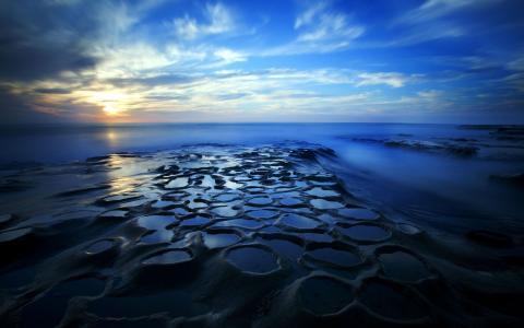 完美的海洋日落