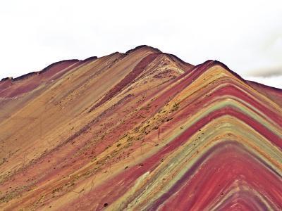 瑞士五彩斑斓的彩虹山