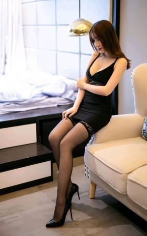 性感内衣美女大胸爆乳修长美腿诱惑写真
