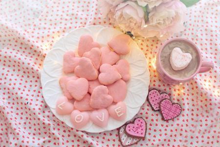 粉红色的爱心马卡龙