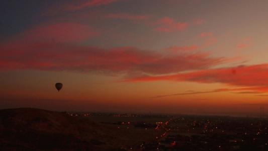 热气球上看日出