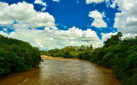 快速的河流
