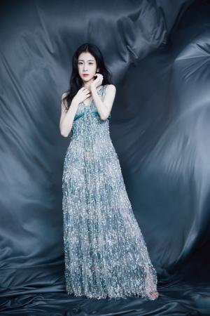 张碧晨亮片吊带裙优雅魅力写真