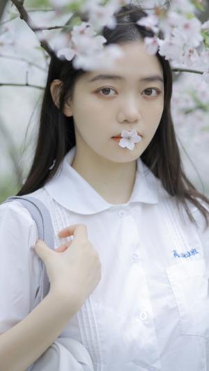 清纯学生妹制服甜美迷人写真