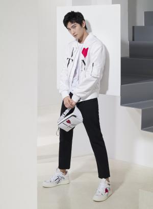 杨洋帅气时尚写真